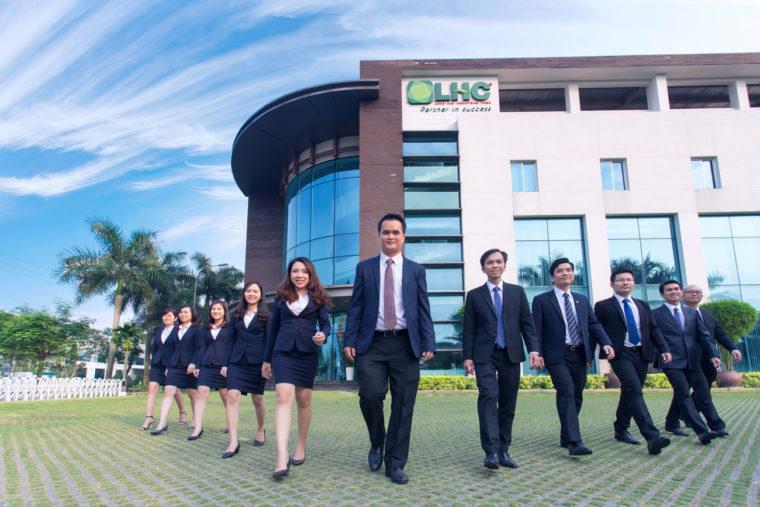 Chụp ảnh doanh nghiệp truyền tải sự chuyên nghiêp - LEEdo Media là chuyên gia về lĩnh vực thực hiện các dự án chụp ảnh và film Website:www.360vr.vn|www.leedomedia.com